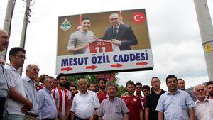 In der Türkei: In Mesut-Özil-Straße prangt das Erdoğan-Bild