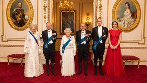 Prinz Charles mit Camilla, Queen Elizabeth mit Ehemann Philip und William mit Kate