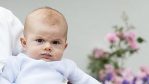 Warum so böse? Prinz Oscar schmollt drollig an Mamas B-Day