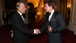Prinz Philip und Tom Cruise im Buckingham Palace