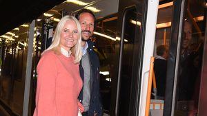 Im Zug: Mette-Marit und Haakon reisen durch Deutschland