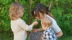 Muttertag: Prinzessin Sofia bekommt Blumen von ihren Kindern