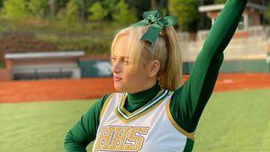 Wow! Rebel Wilson wieder schlank in Cheerleader-Uniform