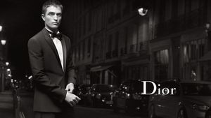 Robert Pattinson modelt für Dior
