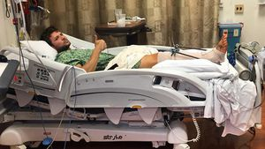 Was ist passiert? Ryan Philippe postet übles Krankenhaus-Pic
