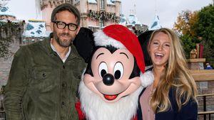 Ryan Reynolds & Blake Lively mit Micky Maus im Disneyland Anaheim