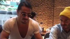 Salziges Fleisch-Vergnügen: Salt Bae füttert David Beckham!