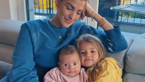 Kuschelzeit: Sarah Harrison postet neue Fotos mit ihren Kids