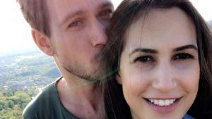 1 Jahr verliebt: Basti & Clea schwelgen im Beziehungsglück!