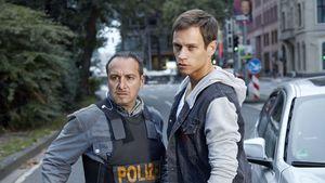 """Semir Gerkhan (Erdogan Atalay, l.) und Alex Brandt (Vinzenz Kiefer) bei """"Alarm für Cobra 11"""""""