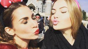 Als süße Maus: Sila Sahin amüsiert sich im Disneyland Paris