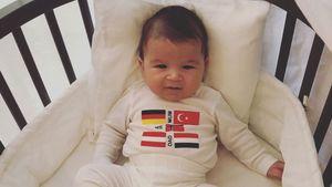 Sila Sahin teilt erstes völlig unverhülltes Pic ihres Babys