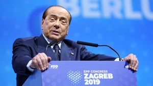 Nach seinem Sturz: Silvio Berlusconi wieder im Krankenhaus