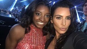 Simone Biles und Kim Kardashian bei den MTV Video Music Awards in New York