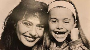 Ohne Zähne: Wer teilt denn dieses putzige Throwback-Bild?