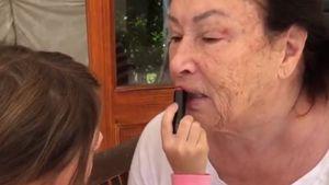 """Sophias Beauty-Salon"": Sophia Cordalis schminkt Oma Ingrid"