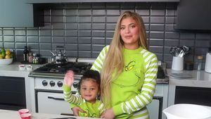 Backvideos mit Mama Kylie: Stormi wird zum YouTube-Star