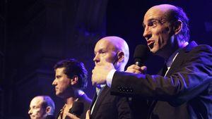 """Die """"Scrubs""""-Band: Anwalt Ted singt mit Kürbissen"""