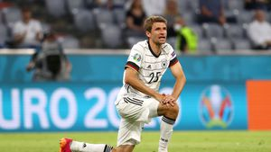 Knieverletzung bei EM: Wie lange fällt Thomas Müller aus?