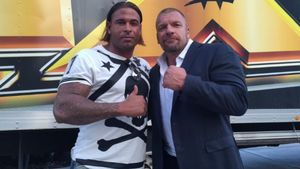 "Tim Wiese mit WWE-Wrestler Paul Michael Levesque alias ""Triple H"""