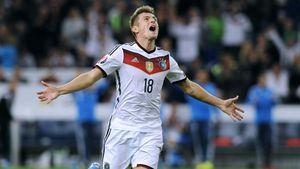 Toni Kroos beim Deutschlandspiel in Gelsenkirchen