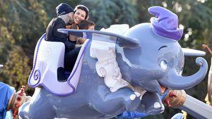 Familienausflug: Kourtney und Travis turteln im Disneyland