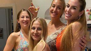 Selten: Sarah Connor mit drei Schwestern auf einer Aufnahme!