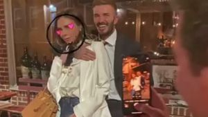 Süß: Victoria und David Beckham kuscheln bei Date-Night