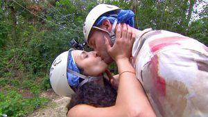 """Yassis Kuss mit """"M.O.M""""-Dan: Wusste geküsster Dustin davon?"""