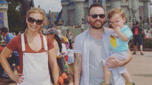 YouTube-Stars Anna und Jonathan Saccone-Joly mit ihren zwei Kindern