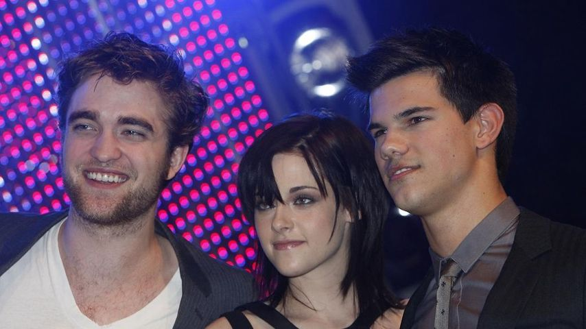 Twilight-Stars geben fleißig Autogramme