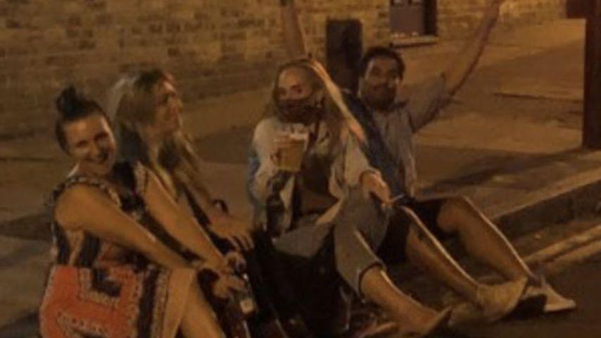 Adele mit Freunden in London