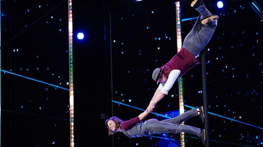 Akrobatik an der Stange von Kira und Anders Oktober 2020