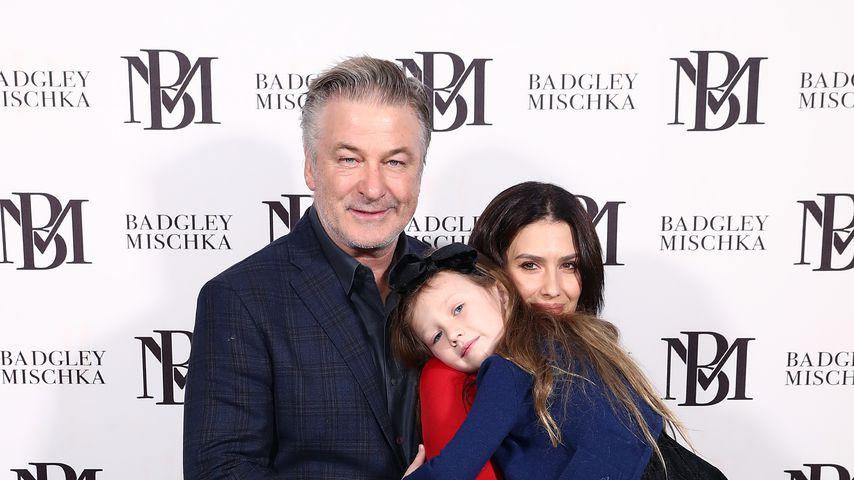 Alec Baldwin, Hilaria Baldwin und Carmen Baldwin im Februar 2020 in New York