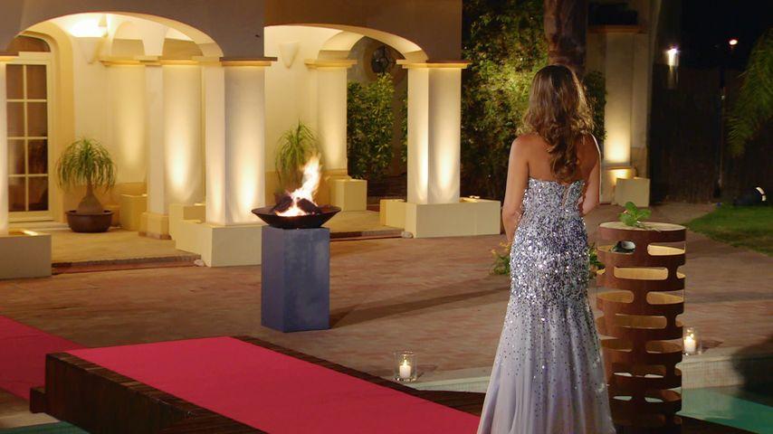 Outfit vom Finale: So schön verteilt Alisa ihre letzte Rose!
