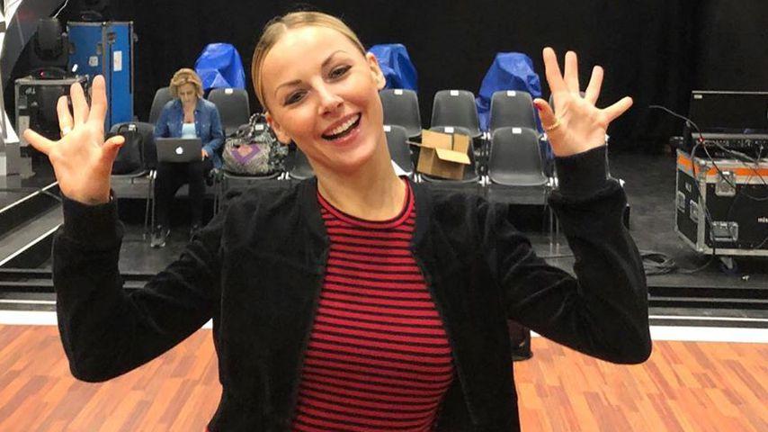 Alona Uehlin, Tänzerin