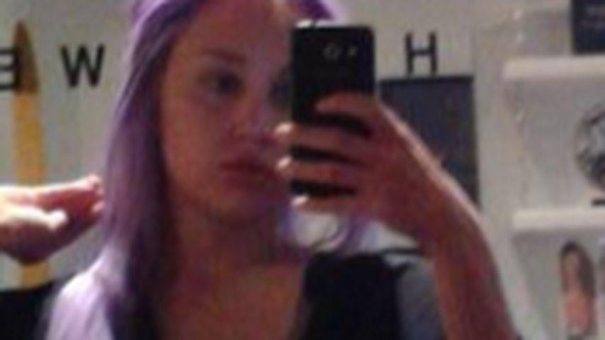 Lila Pause: Amanda Bynes nimmt Auszeit beim Frisör