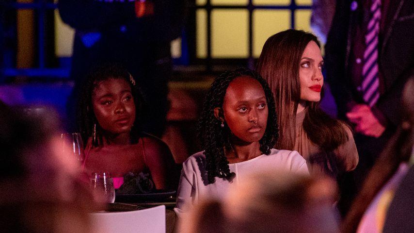 Amanda Gorman, Zahara Jolie-Pitt und Angelina Jolie bei einem Event in Beverly Hills, September 2021