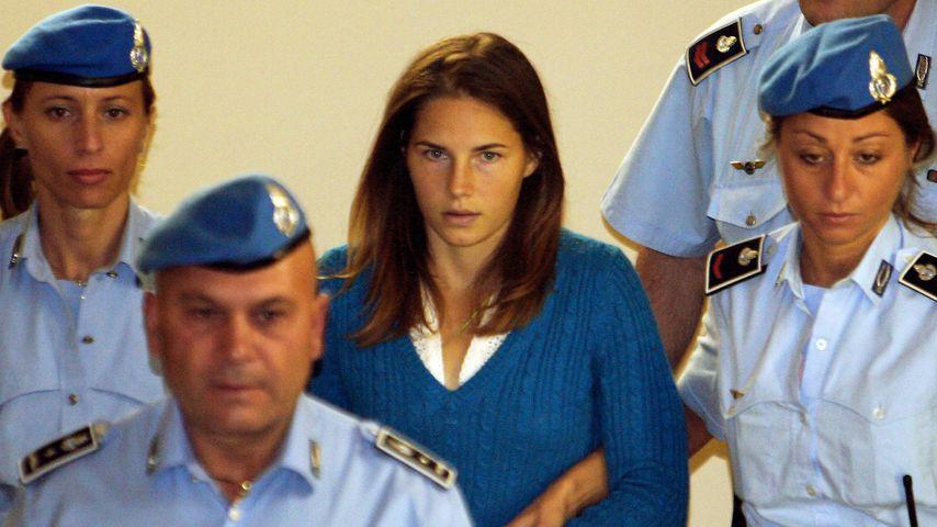 Amanda Knox bei der italienischen Polizei im September 2008