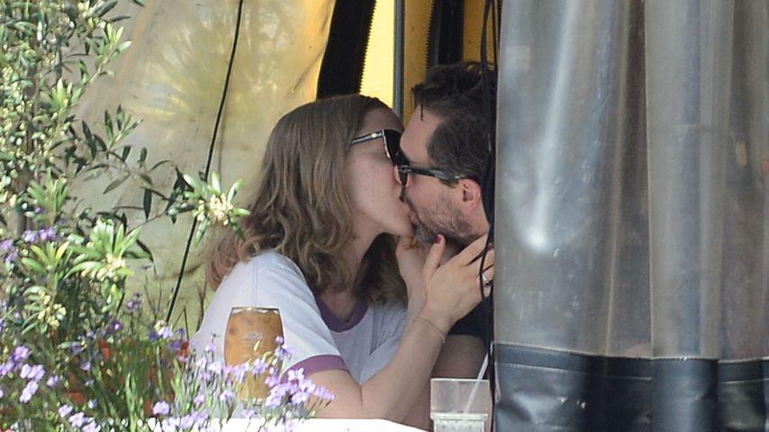 Amanda Seyfried und Thomas Sakoski knutschen in Los Angeles