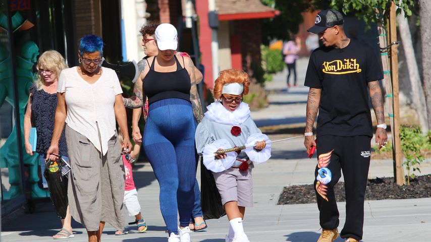 Amber Rose mit ihrer Mutter, ihrem Sohn Sebastian und ihrem Freund Alexander Edwards, 2019