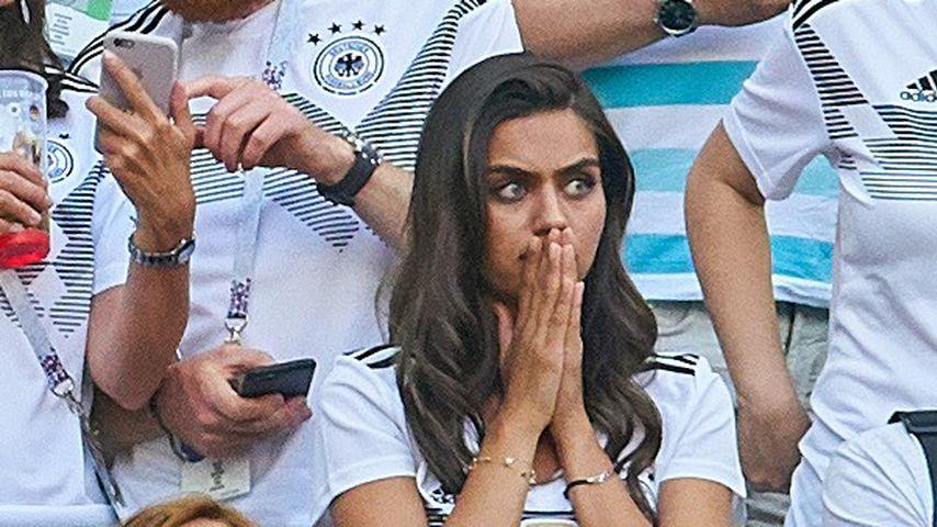 Özils Freundin: Schock-Miene im Stadion nach WM-Aus