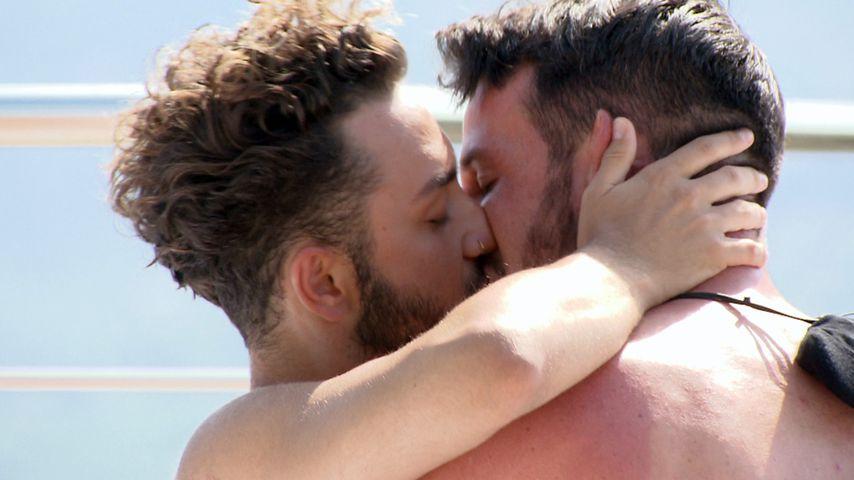 """Endlich: Erster Kuss bei """"Prince Charming""""-Hottie Alexander"""