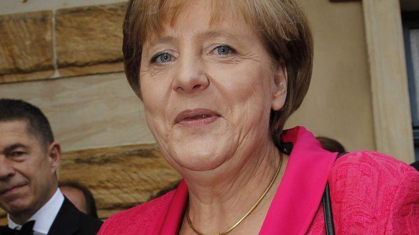 Trendy! Angela Merkel im schicken Promiflash-Pink