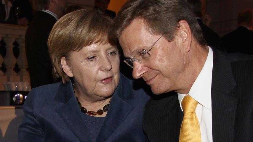 Merkel-Kollaps: Stuhl der Bundeskanzlerin brach zusammen!