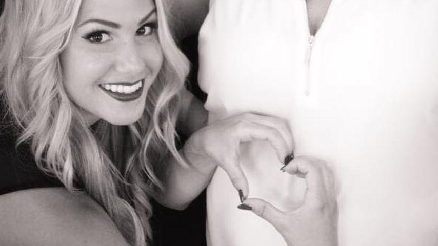 Angelina Heger mit ihrer schwangeren Schwester