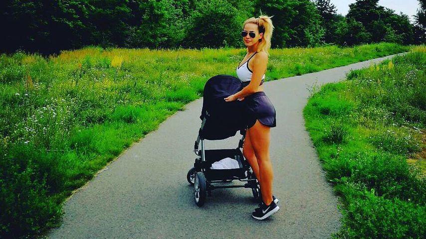 Sexy Tante: Angelina Heger ist die heißeste Babysitterin!
