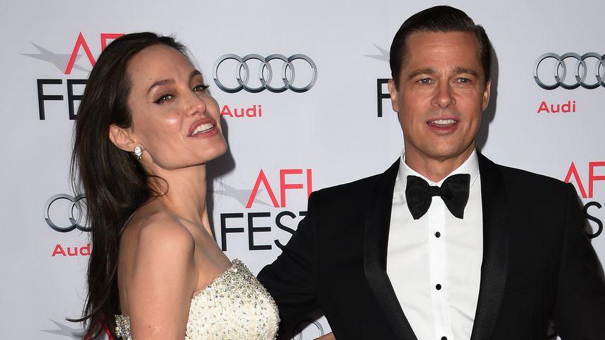 Angelina Jolie und Brad Pitt auf einer Premierenfeier in Hollywood