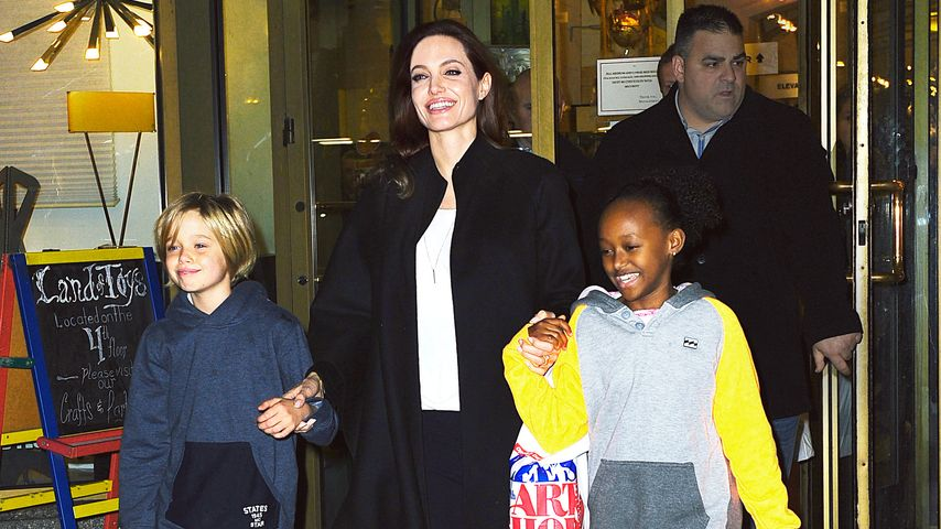 Angelina Jolie, Shiloh Jolie-Pitt und Zahara Marley Jolie-Pitt