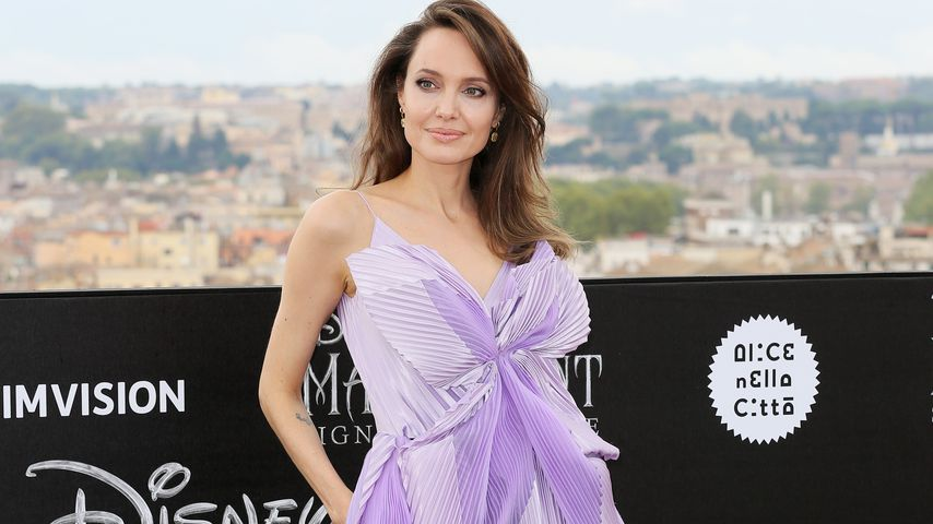 """Angelina Jolie bei einem Fotoshoot für """"Maleficent 2"""" in Rom im Oktober 2019"""